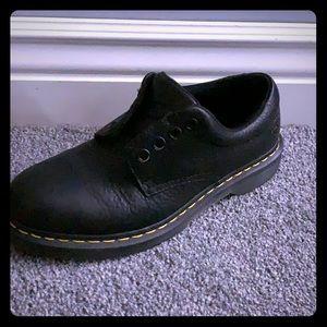 Black Dr Marten Boston Shoes
